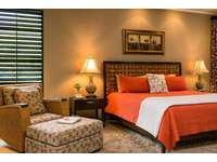 Master bedroom suite, king bed thumb