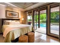 Bedroom suite, queen bed, full bath thumb