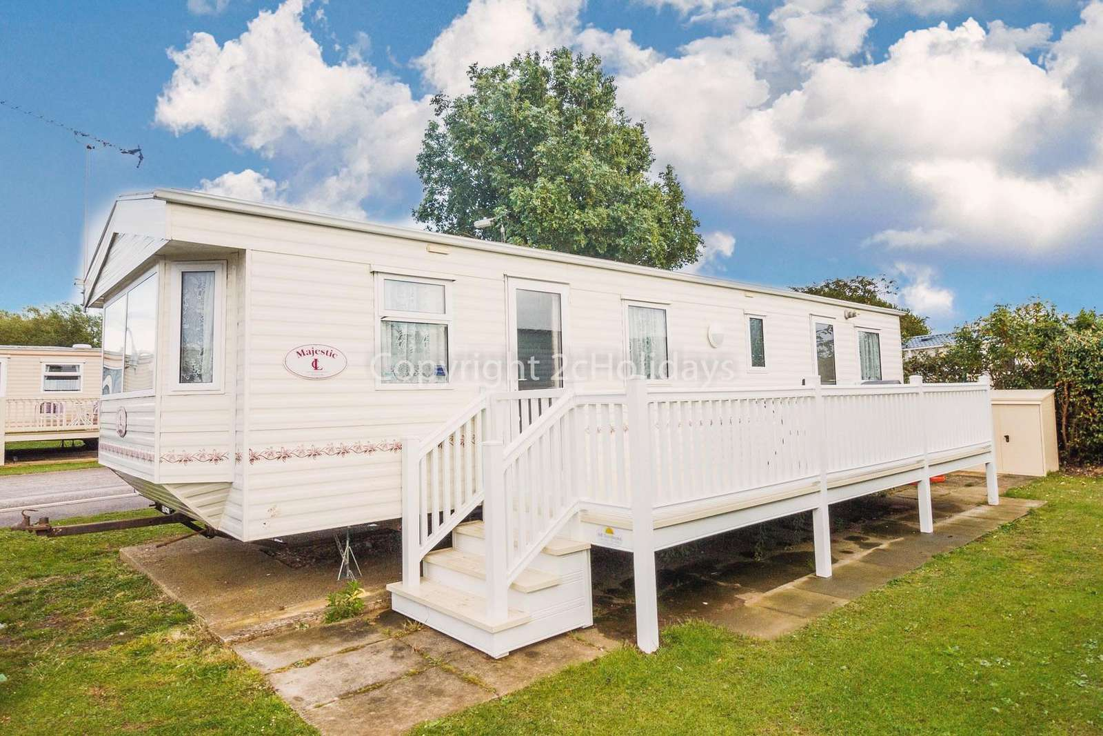 6 berth accommodation with decking in Hunstanton - property