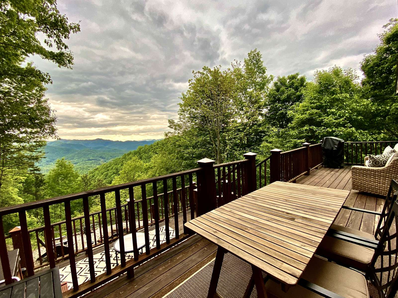 Multi-Level View Deck is ideal for relaxing and taking in the Gorgeous Views - property