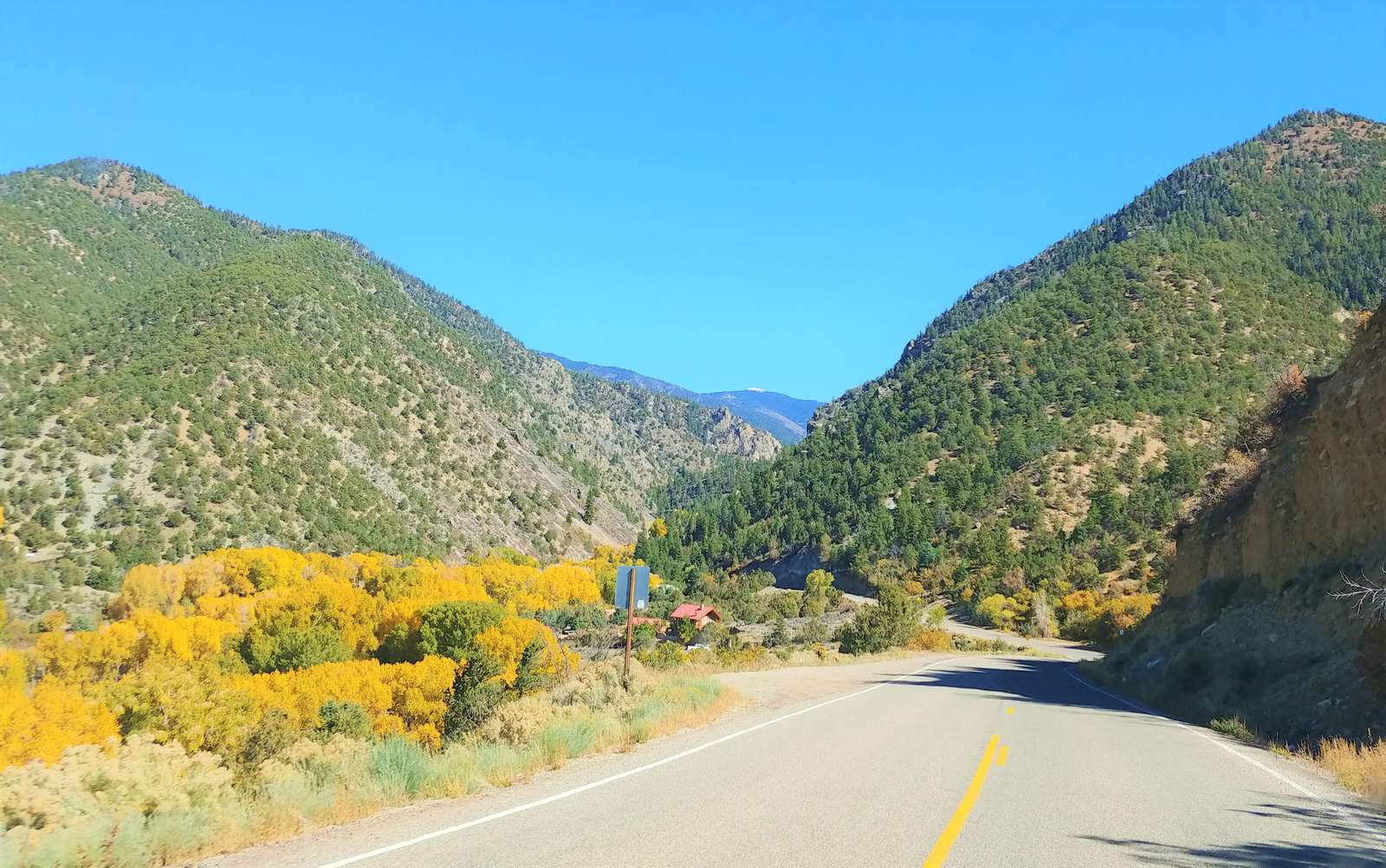 The Drive from Taos to Taos Ski Valley | Fall