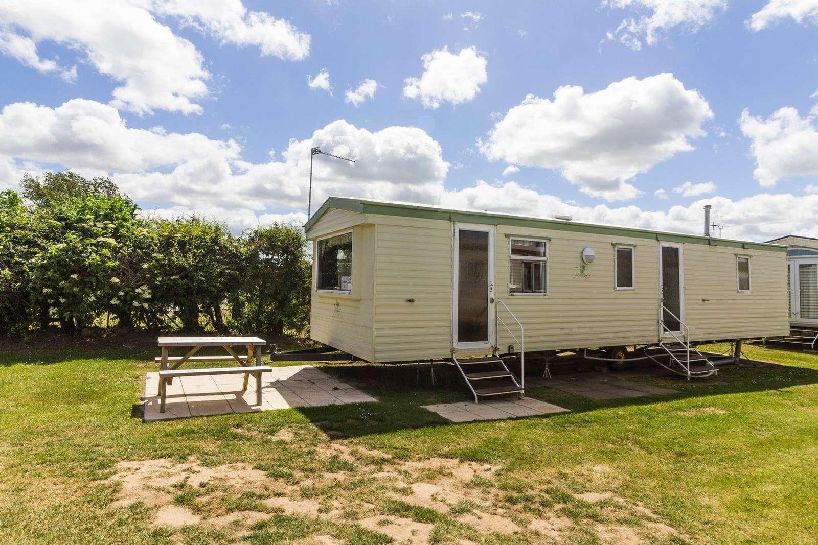 8 berth accommodation at California Cliffs Holiday Park. - property