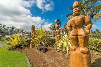 Carvings at entrance of Polynesian Cultural Center thumb
