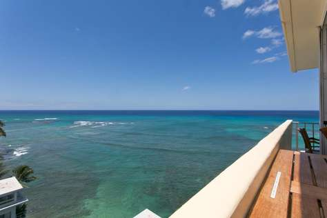 Diamond Head Oceanfront Penthouse 01