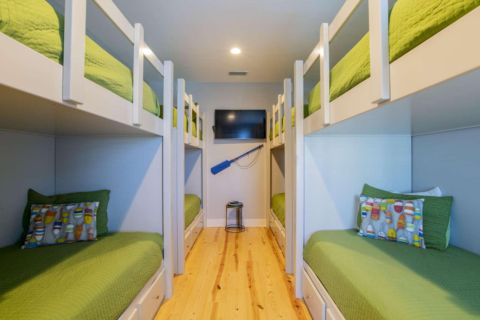 Bunk Room 4 Twin XL bunks. Sleeps 8.