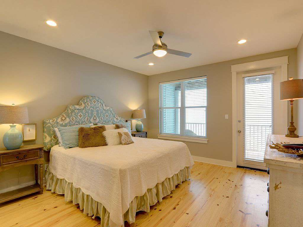 All 4 gulf front master bedrooms have gulf front private covered balconies.