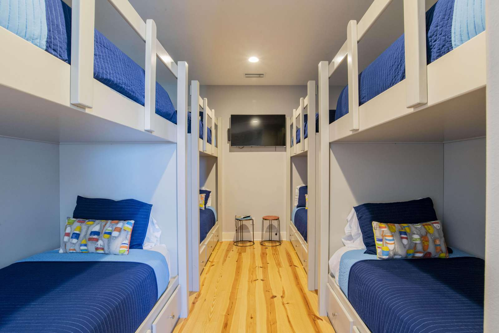 8 Twin XL beds. Can accommodate children or adults.
