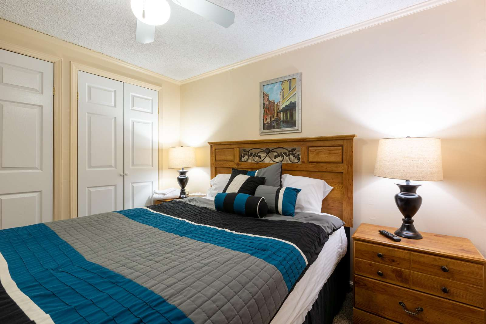Has an elegant bedroom for you to relax and sleep well