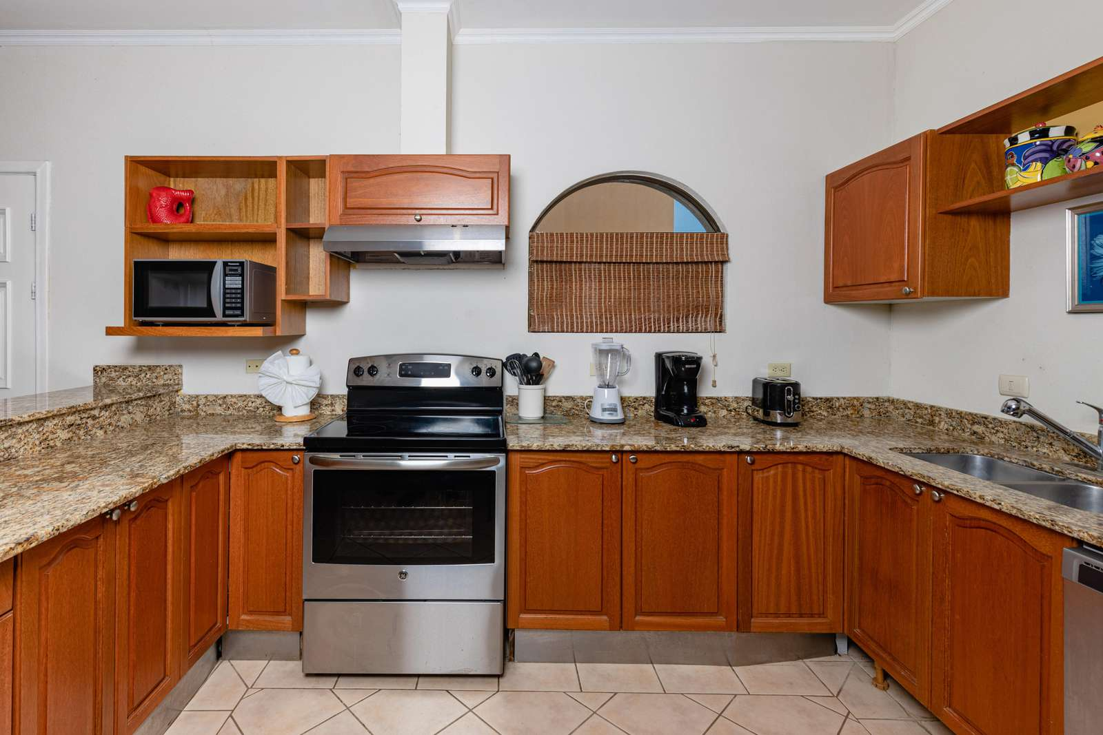 Gourmet kitchen, fully stocked, stainless steel appliances