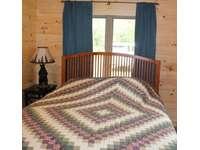 Main Bedroom - 1 Queen Bed thumb