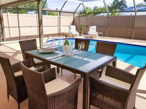 Cozy Pool Home in West Bradenton