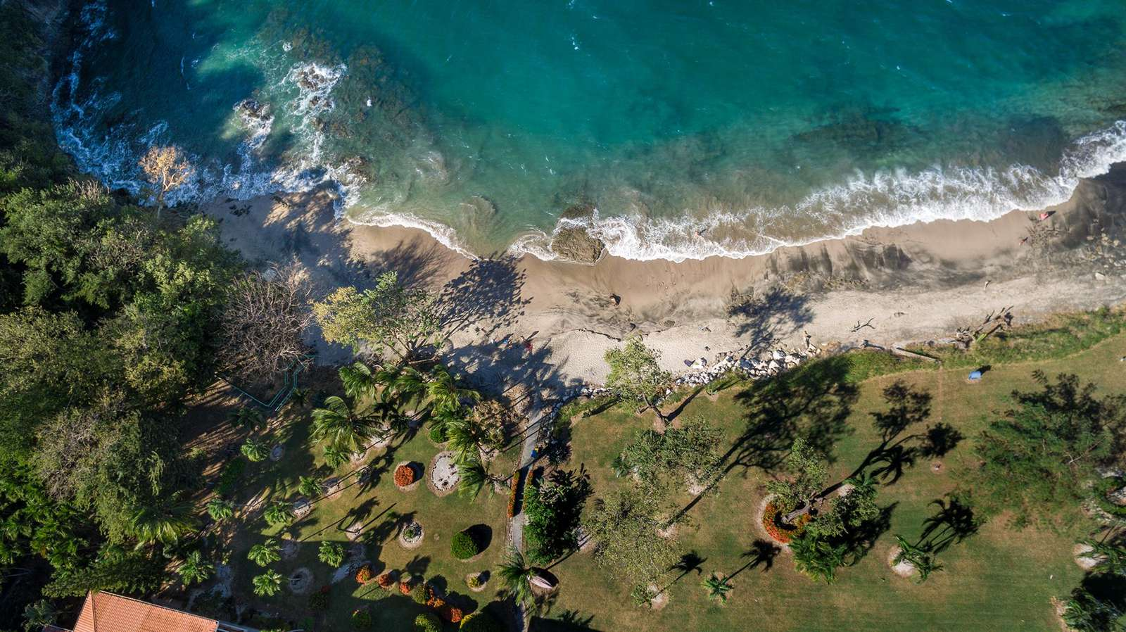 Aerial view of the semi private beach in front of Punta Plata 617