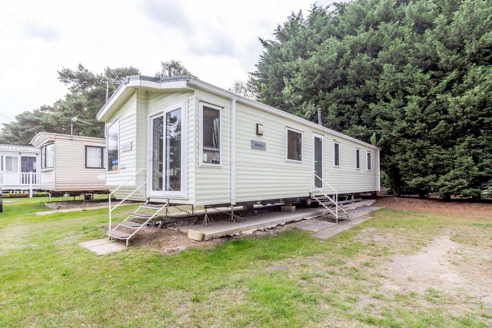 11143WC – Widgeon Court, 3 bed, 8 berth caravan. Diamond rated. - property
