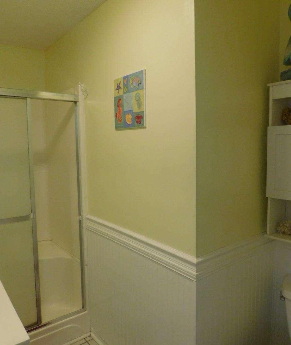 1- Full Hall Bath / Shower