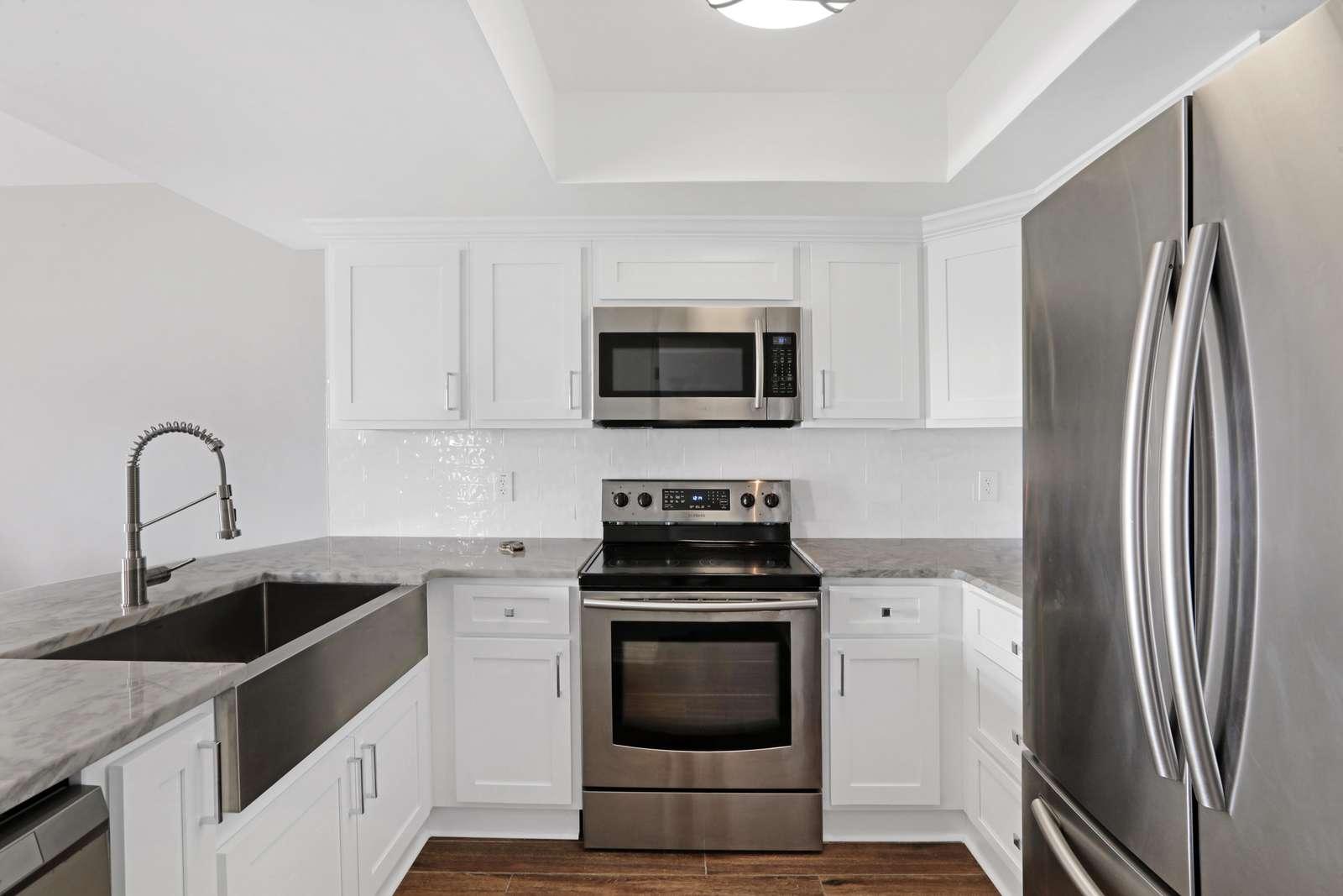 New granite kitchen new wood cabinets 2021