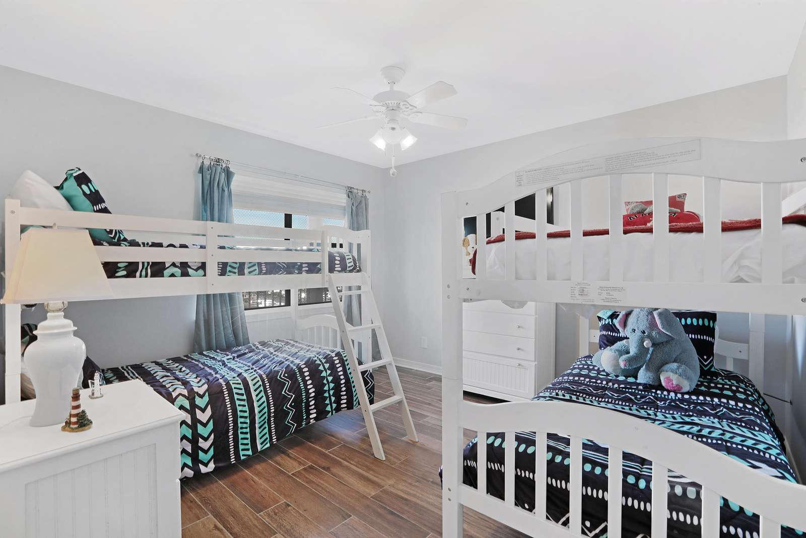 Double bunkbeds easily used as twins