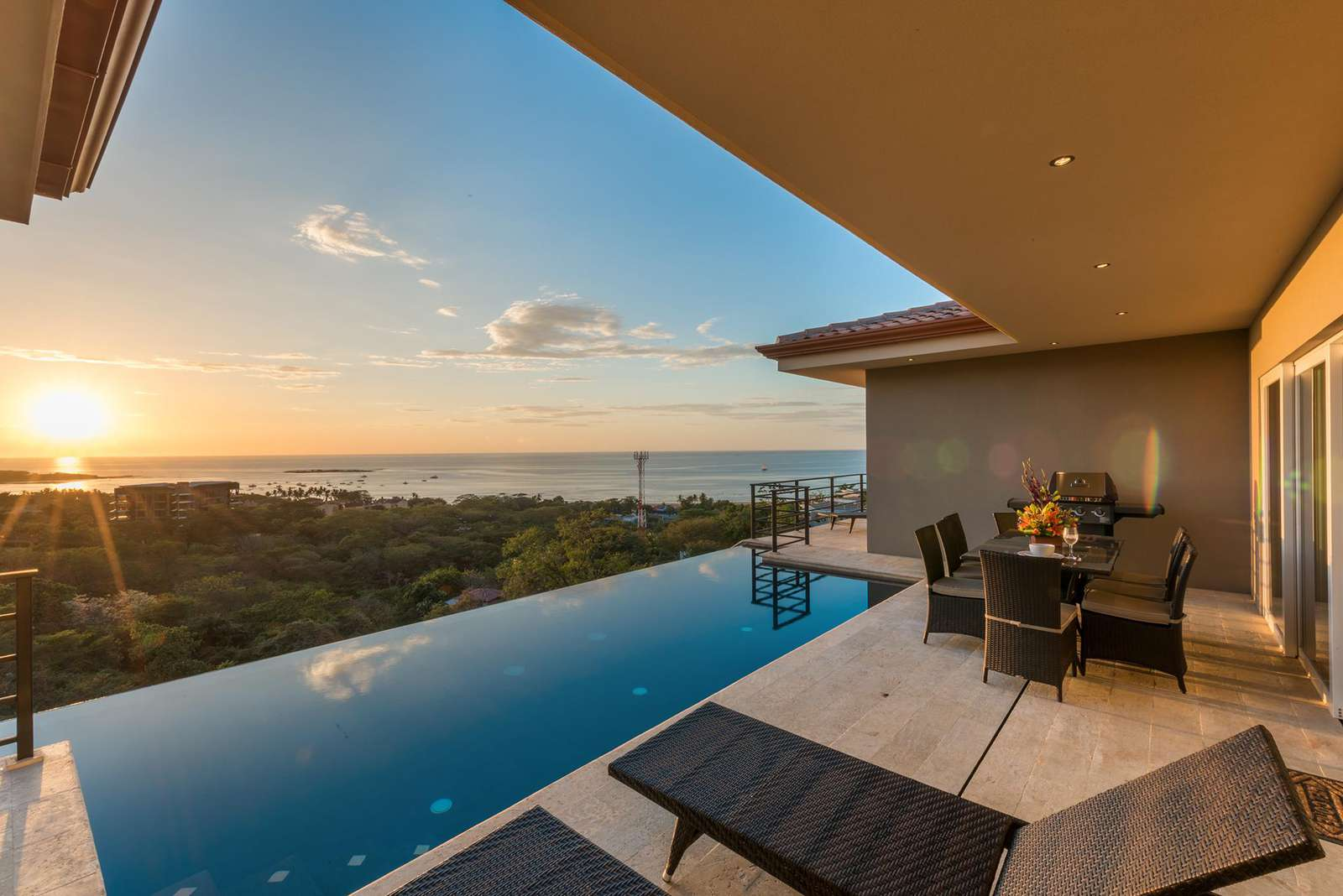 Casa de la perla, amazing 180 views and best sunsets