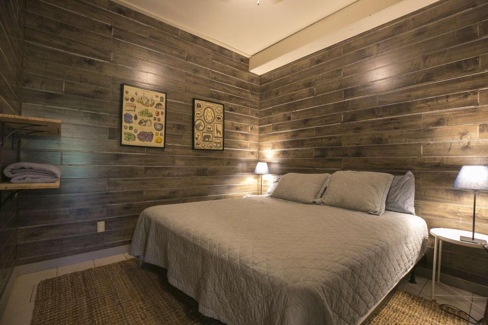 basement bedroom #1 (King bed)