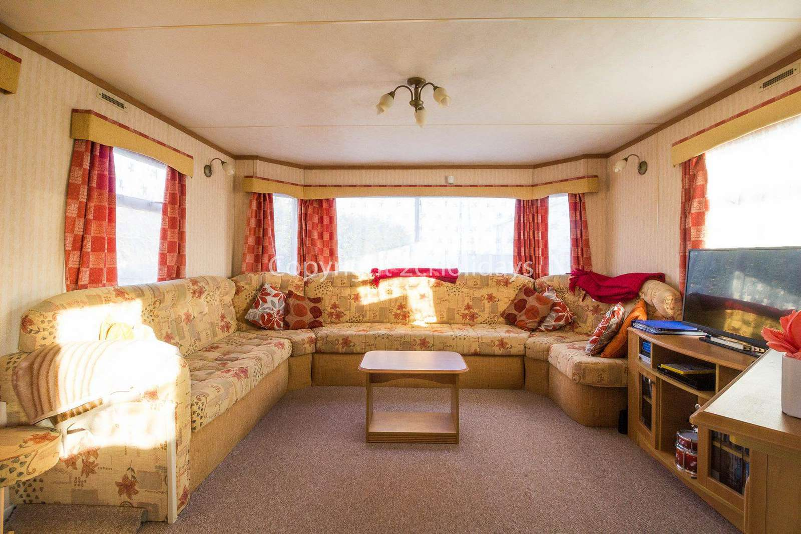 Caravan for hire in Kessingland, Lowestoft