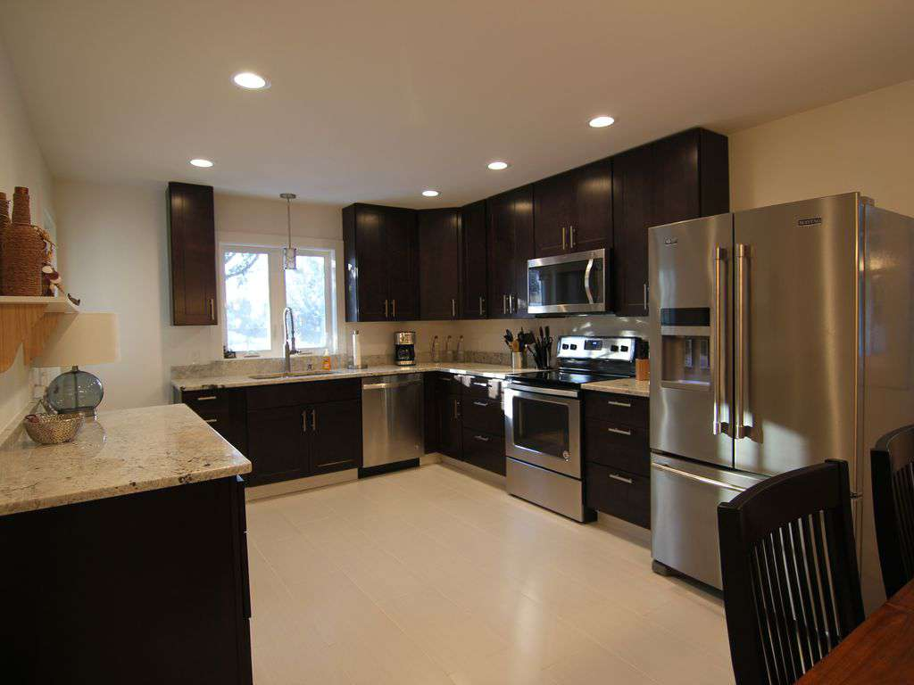 Brand new kitchen with granite counter tops - property