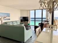 Panoramic windows = awesome views! thumb