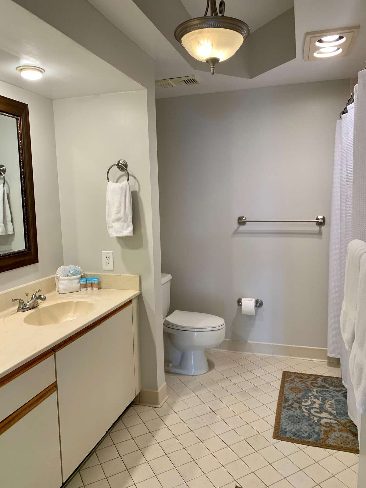 Master bath has a tub/shower combo