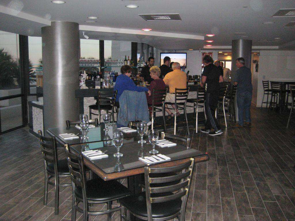 Bar Roy Palm Grille 1 st Floor