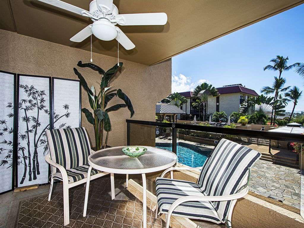 Lanai overlooks the Kona Pacific pool & BBQ area.