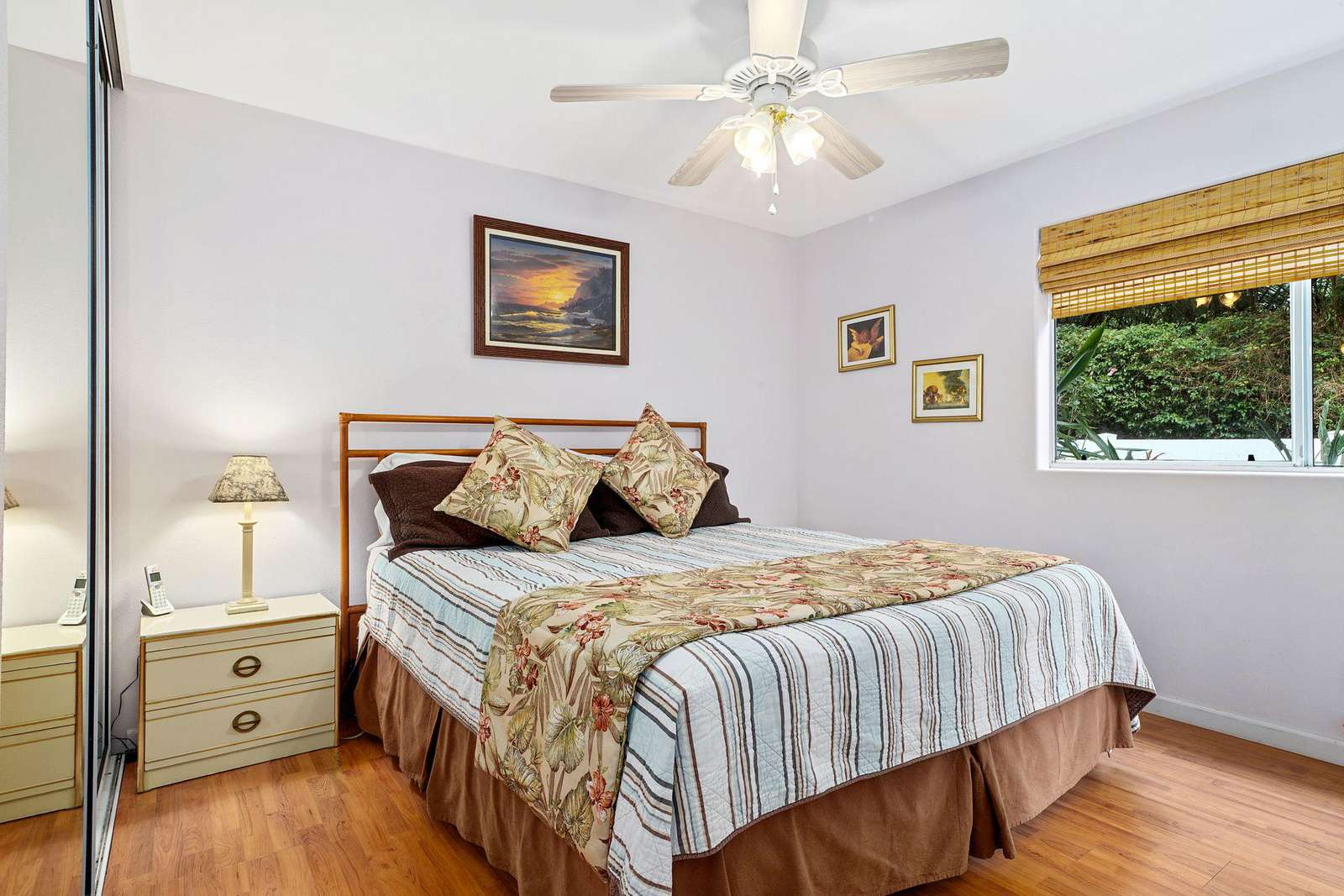 Master Suite w/ private bath and AC