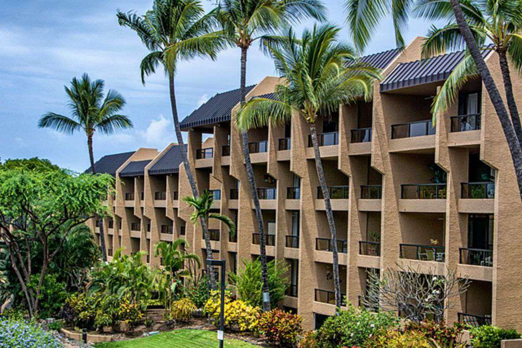 Kona Pacific has elevators, assigned free parking, lending library.