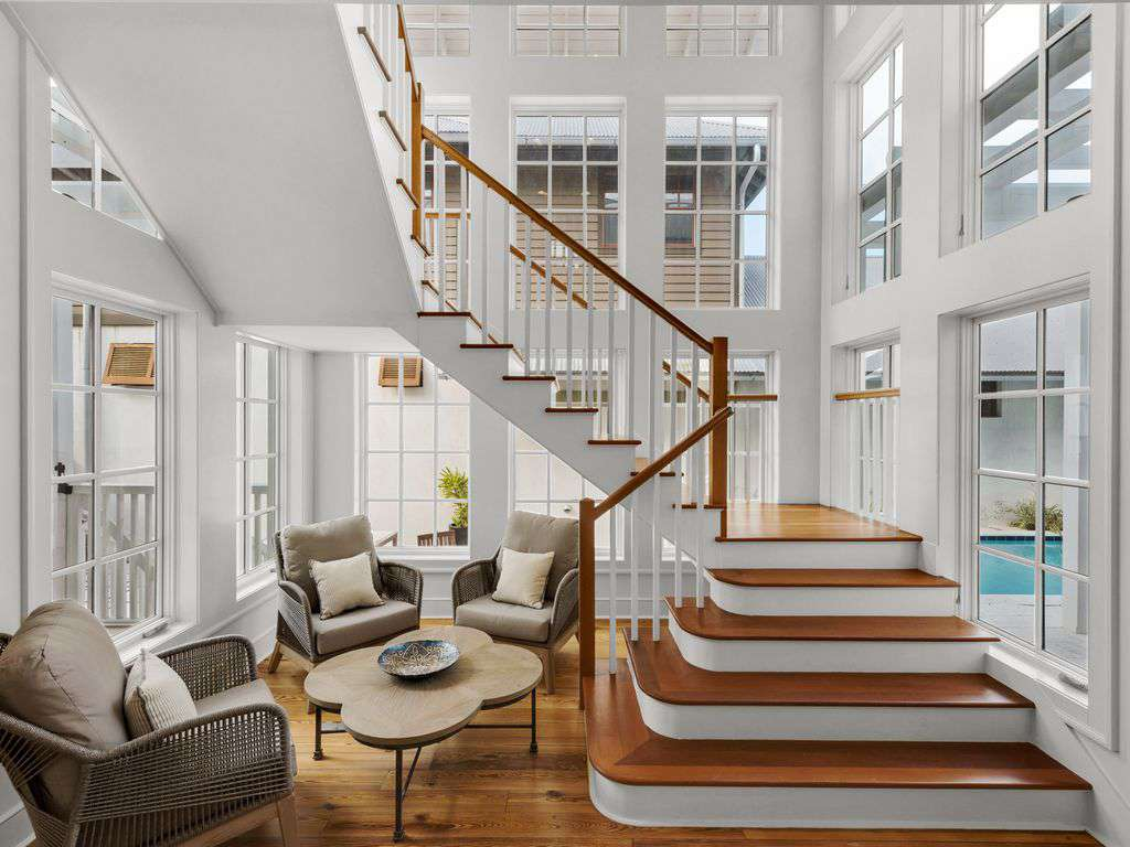 Entry to Home, Floating Stairwell