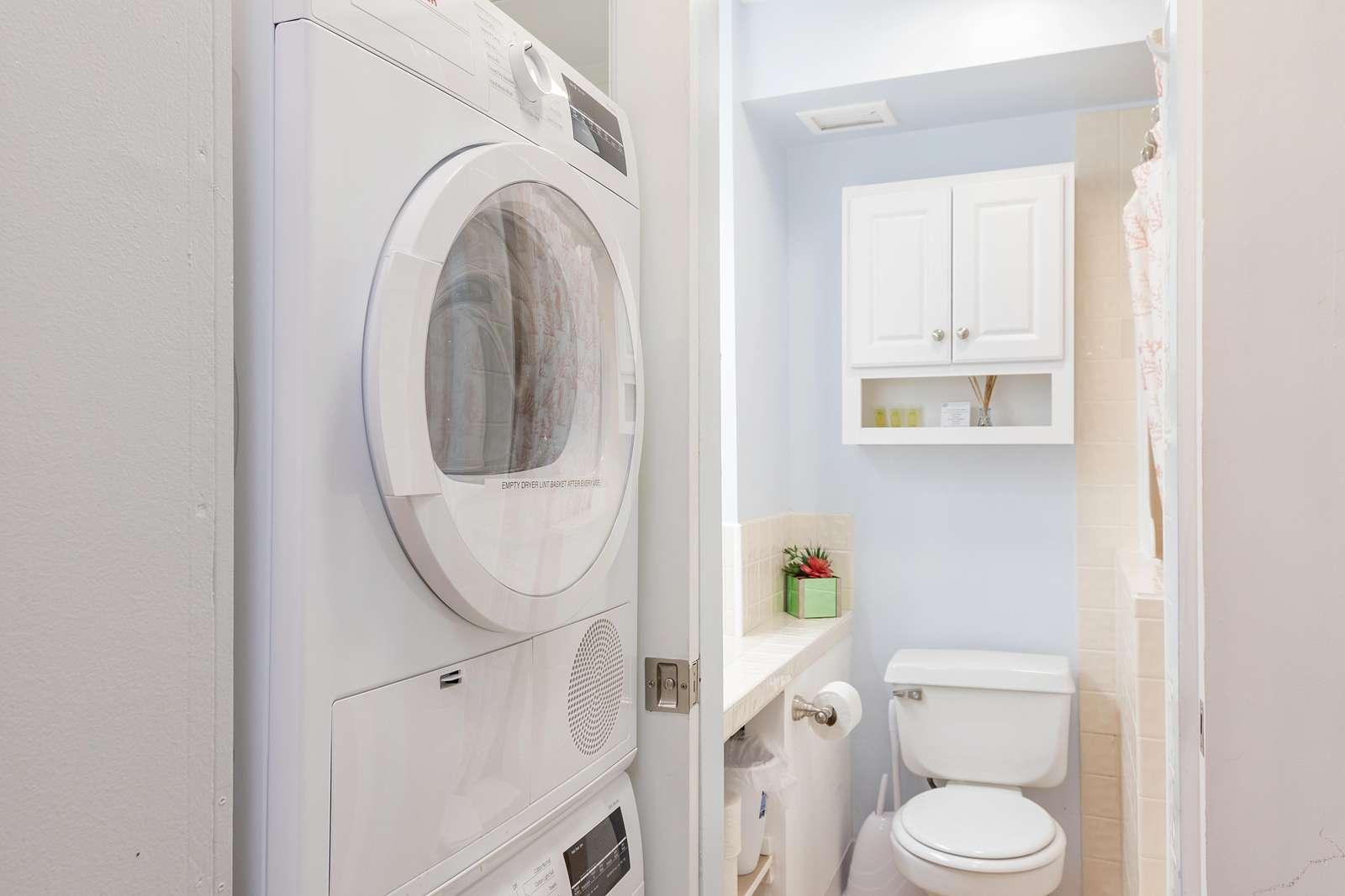 Washer/Dryer & Bathroom