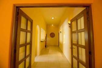 Hallway to Bedrooms thumb