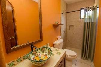 Main Bathroom thumb