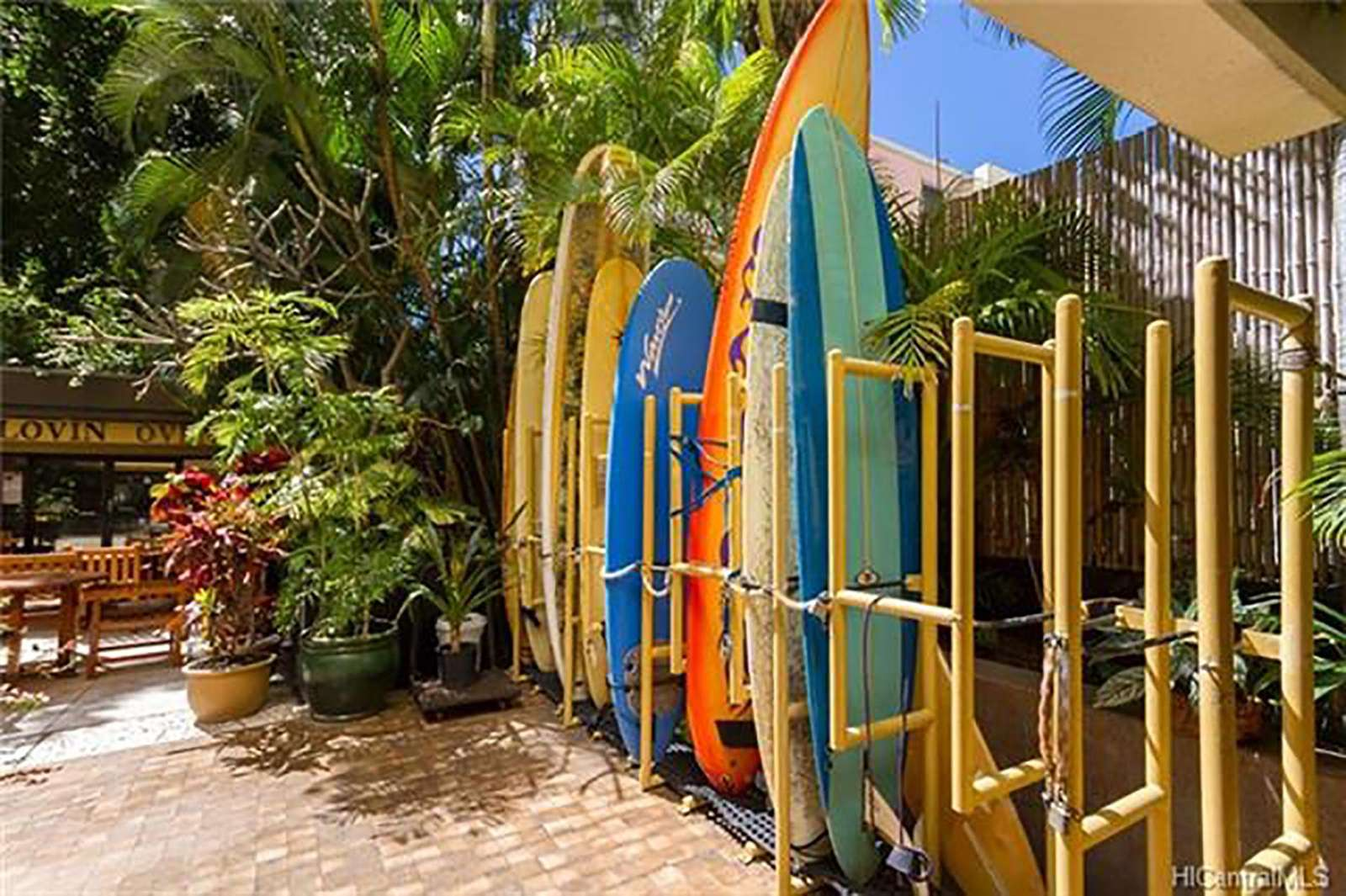 residents Surfboard area