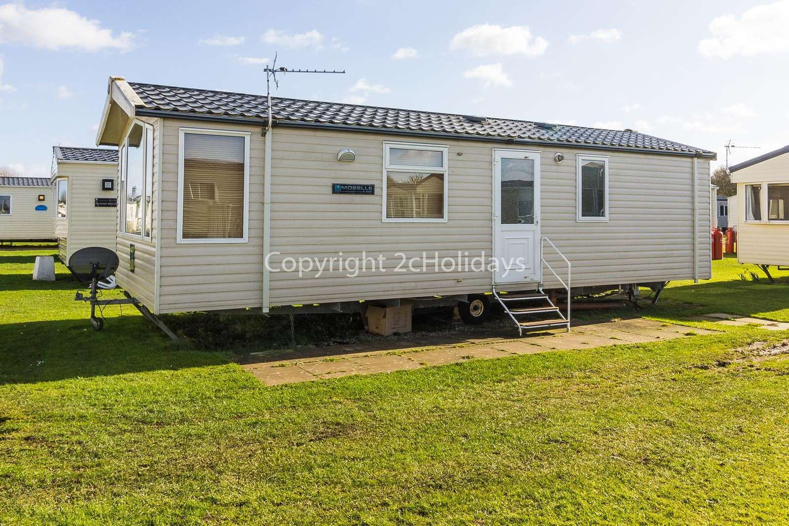 35039B – Beaver Road area, 2 bed, 6 berth caravan with D/G and C/H. Diamond rated. - property