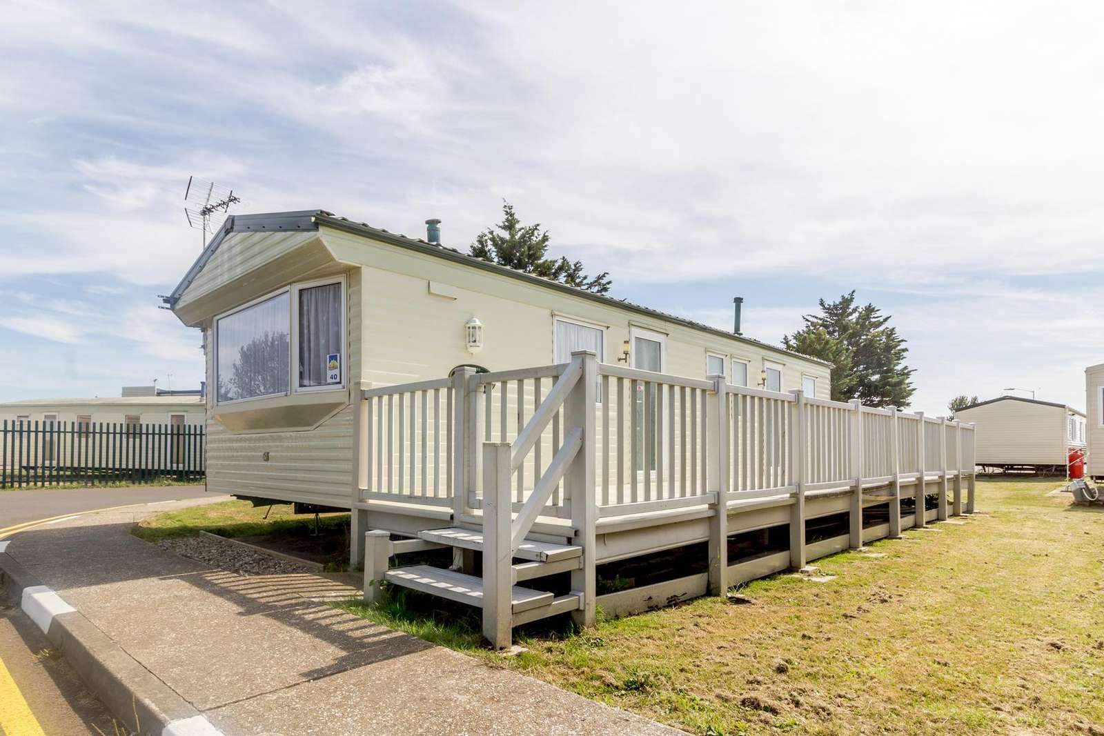 27040S – Seawick, 3 bed, 8 berth caravan close to amenities. Ruby rated. - property