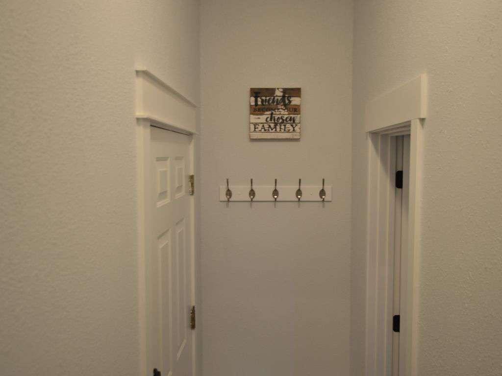 Front door entrance on bottom level!