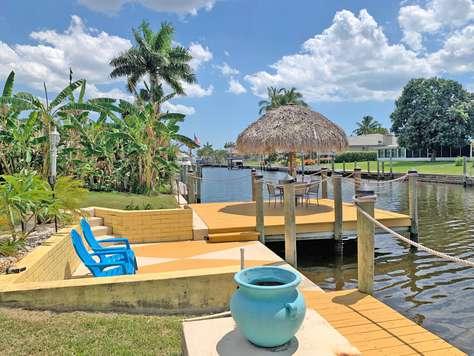 Villa Beach - Pool - Tiki Hut - Boat Dock -  2 Kayaks - Yacht Club