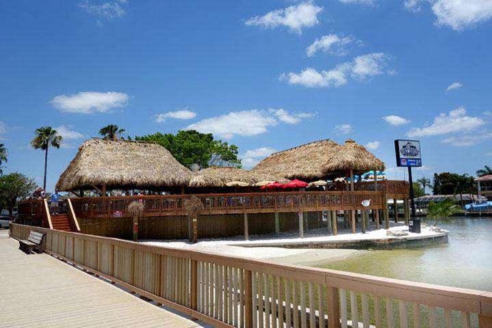 Tiki-Restaurant Boat House