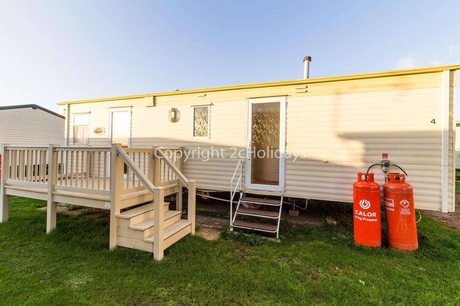 Caravan for hire at Heacham. - property