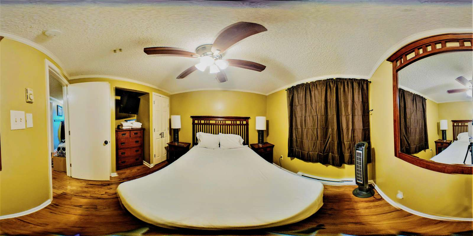Wide Angle Bedroom Picture