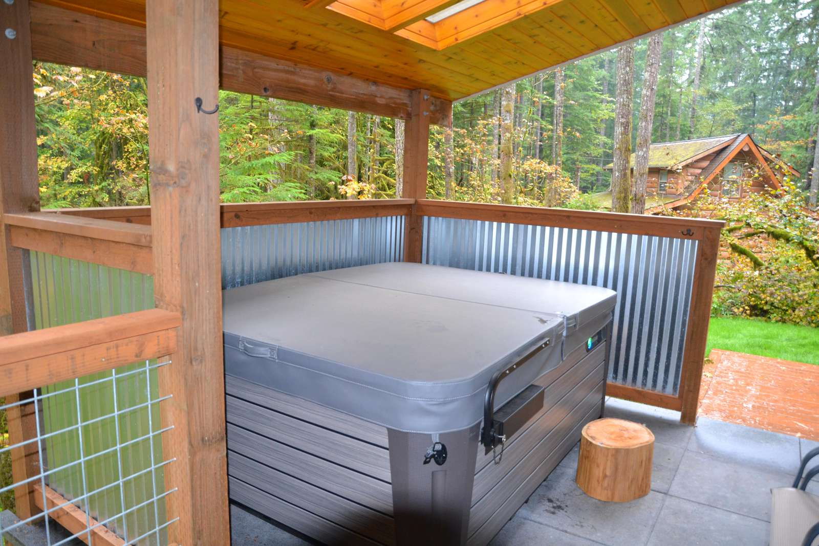 Private Covered Hot Tub & Skylights