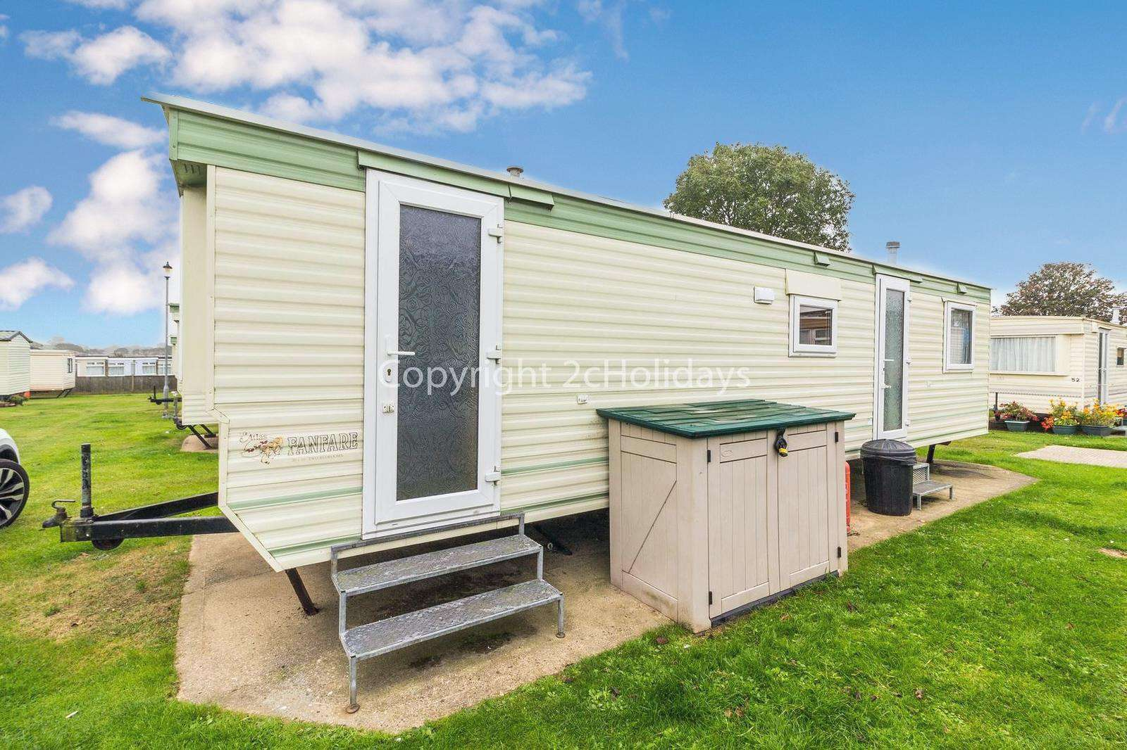 Great caravan in a lovely location just minutes away from Scratby beach!