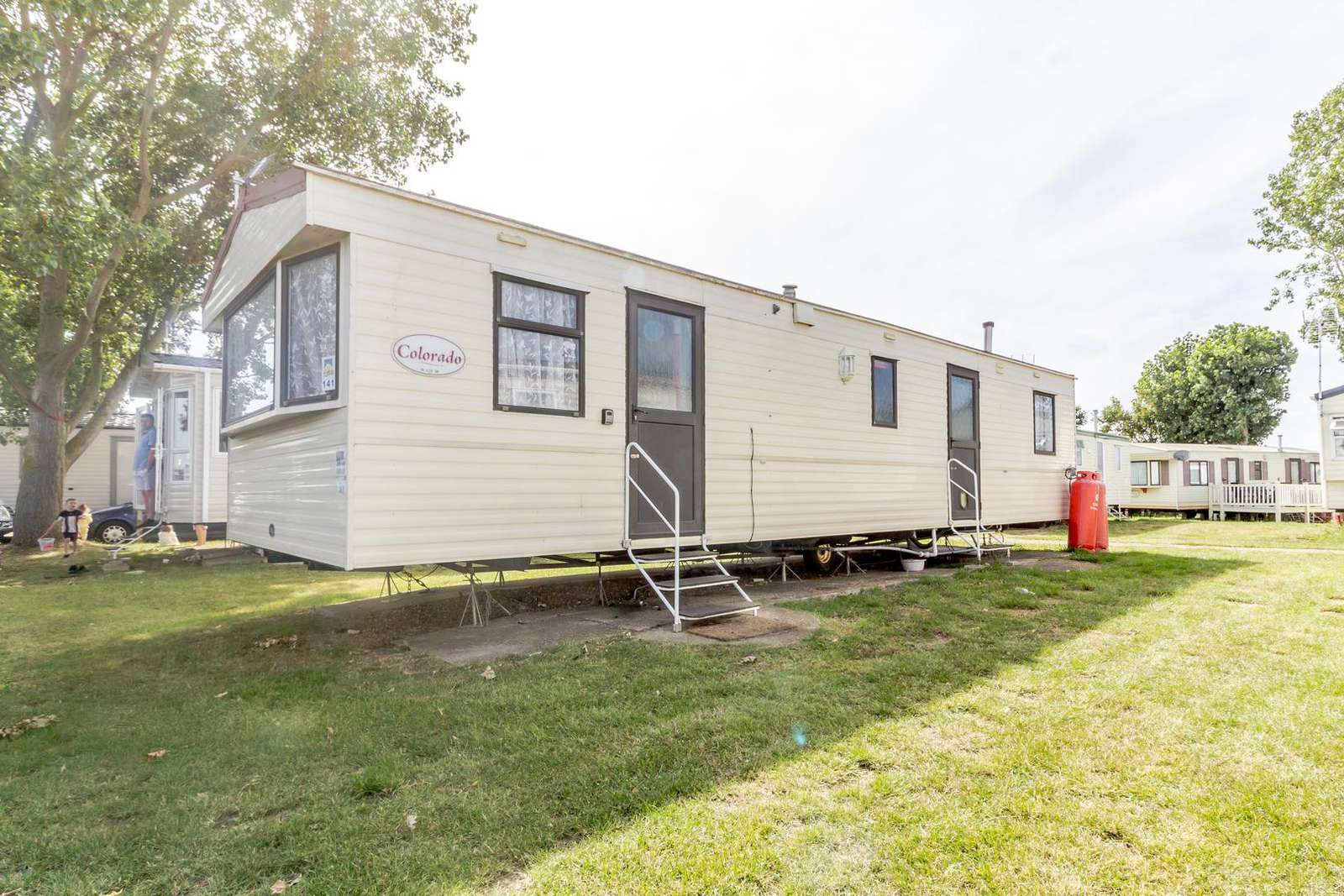 27141S – Seawick, 3 bed, 8 berth caravan close to park amenities. Emerald rated. - property