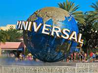 20 miles to Universal Studios thumb