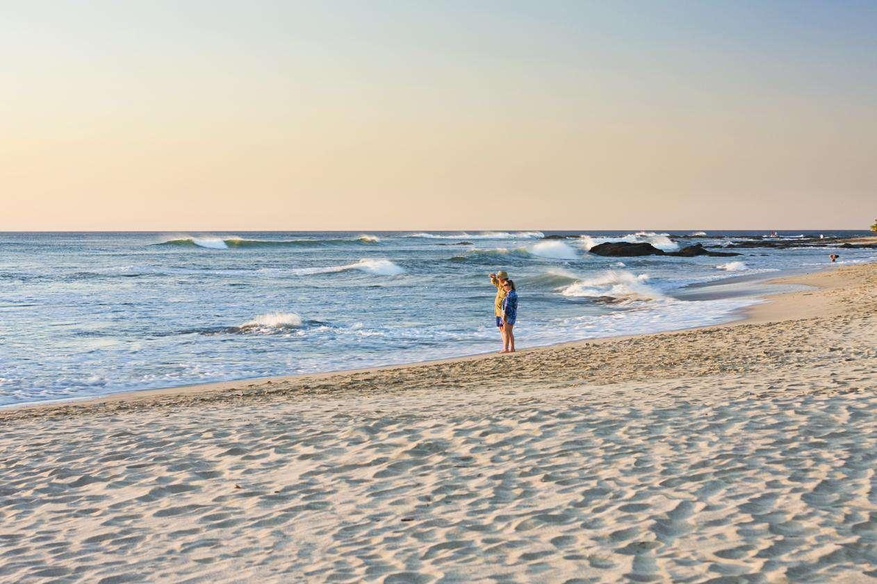 White sands of Flamingo Beach