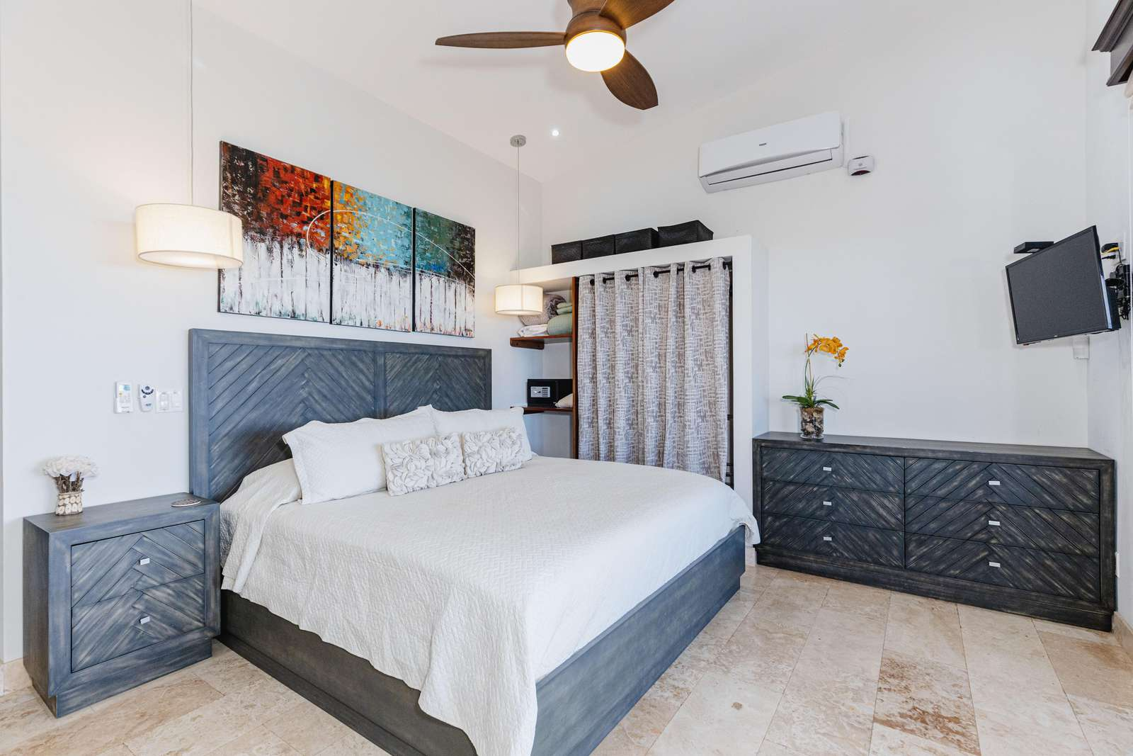 Master bedroom, king bed, smart TV, private bathroom