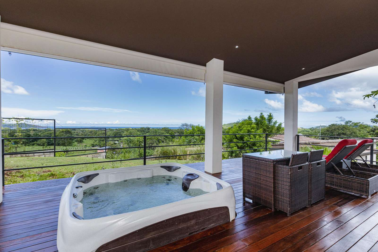 Casa Tranquila, amazing 1 Bedroom Ocean View home with jacuzzi
