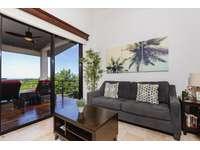 Spacious living area, Smart TV thumb